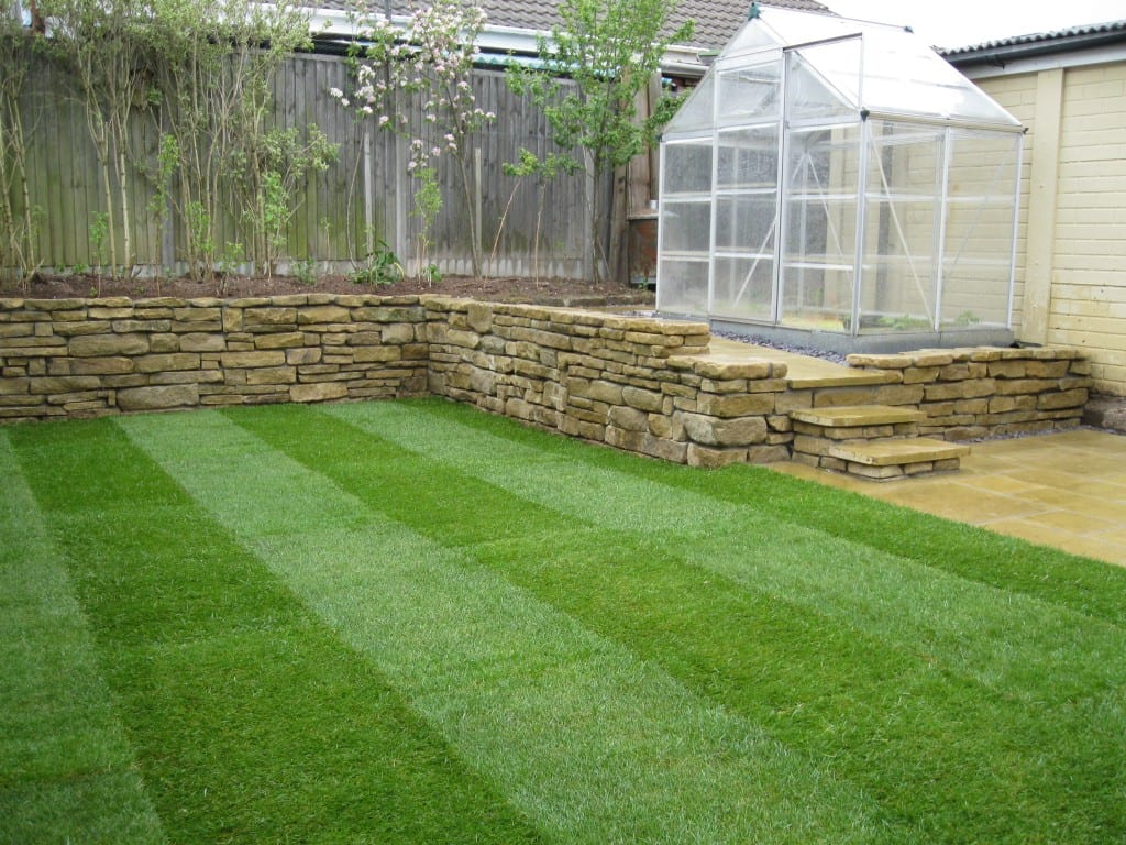 Lawn and hard landscaping down2earth landscaping for Hard landscaping
